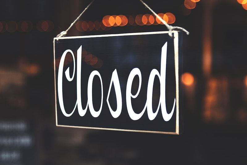 a closed business sign